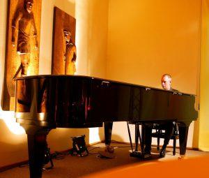 SOLO PIANO (trifft Stimme, Sax...)