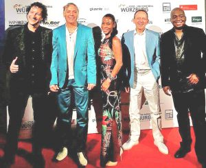 MIAMI SOUND CLUB zum Sport- + Medienball